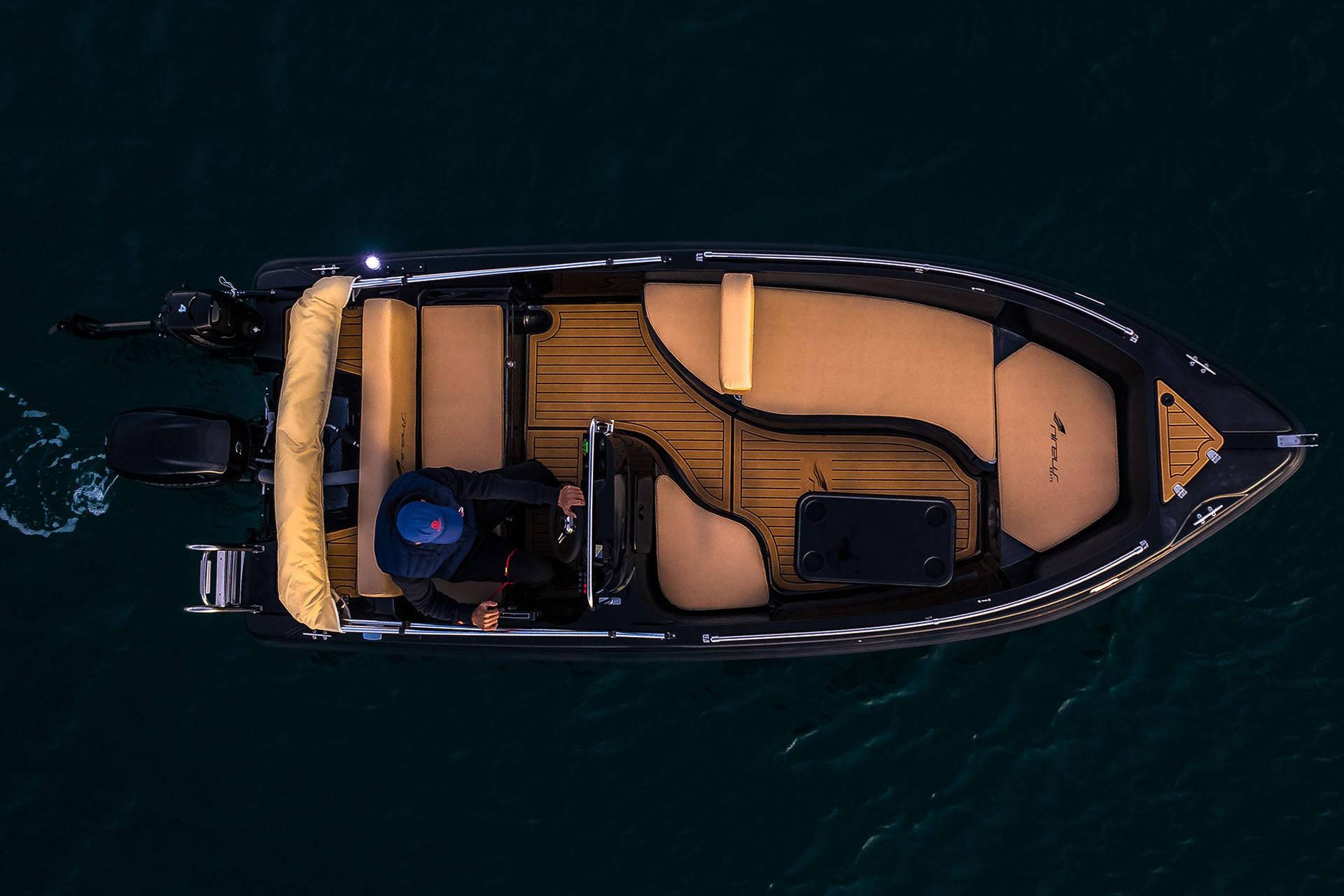 Alquiler de barco sin carnet Marbella | Costa Deluxe